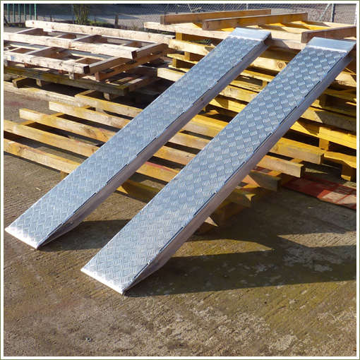 Punched Steel And Aluminium Decking For Recovery Truck Ramps